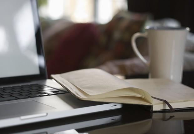 Carreira ; home office ; estudar em casa ; trabalho à distância ; educação à distância ; computador ;  (Foto: Thinkstock)