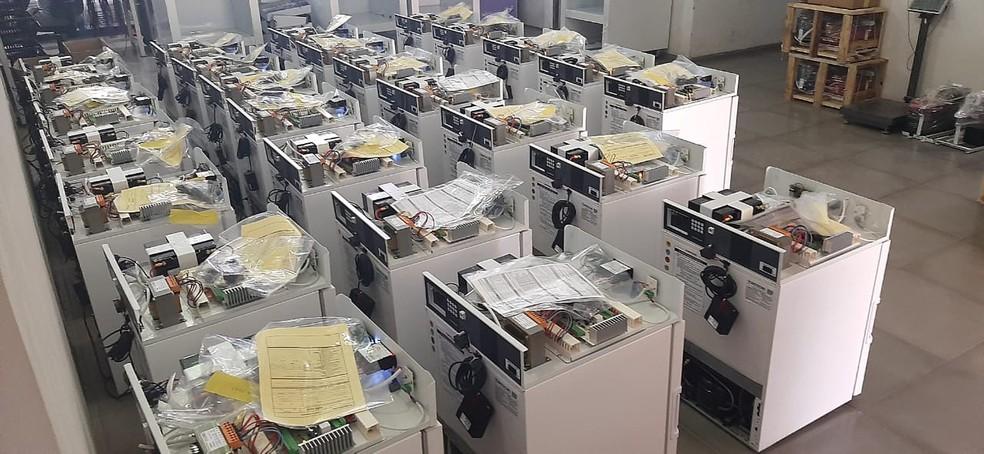 Refrigeradores científicos em processo de produção, em fábrica de empresa no Rio Grande do Sul — Foto: Divulgação