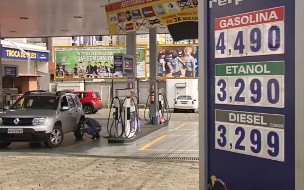 Resultado de imagem para posto de combustível preço alto 2017