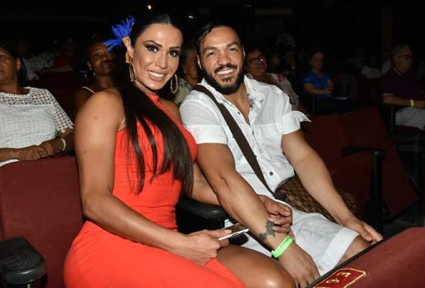 Gracyanne Barbosa e Belo (Foto:  Glauco Fernandes )