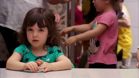 Saiba qual é a melhor forma de conversar com crianças pequenas