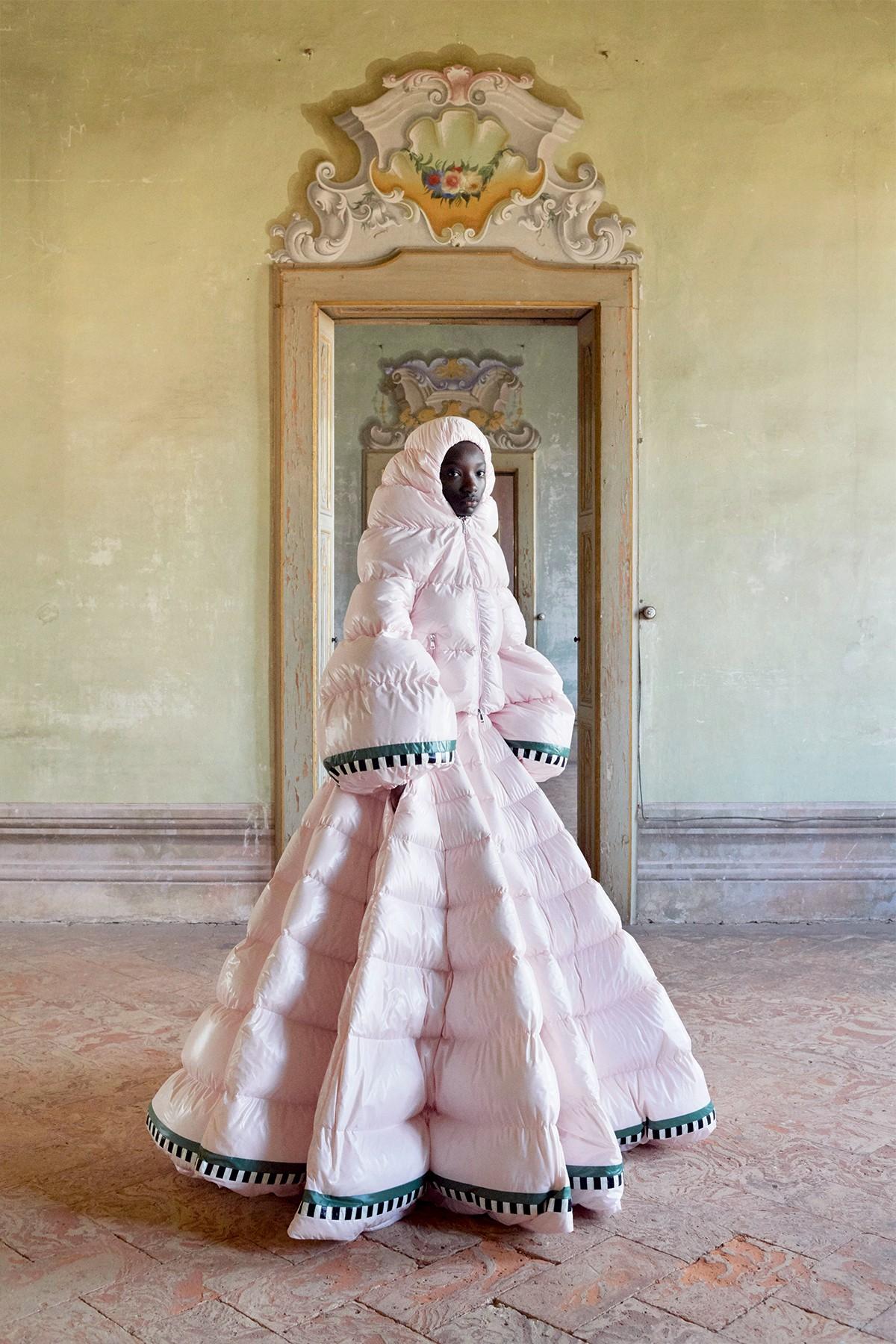 Coluna Maria Rita -à frente da moncler e valentino, pierpaolo piccioli convocou castings de maioria negra para apresentações recentes (Foto: Divulgação)