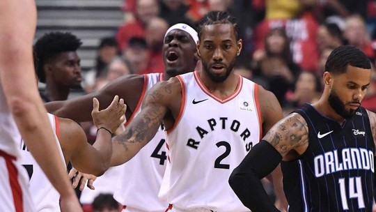 Com Kawhi no comando, Raptors fazem 4 a 1 no Magic e avançam à semifinal do Leste