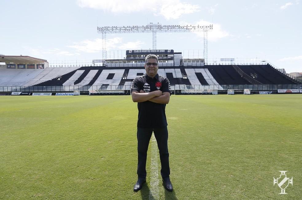 Marcelo Cabo é apresentado como novo técnico do Vasco em São Januário — Foto: Rafael Ribeiro/Vasco