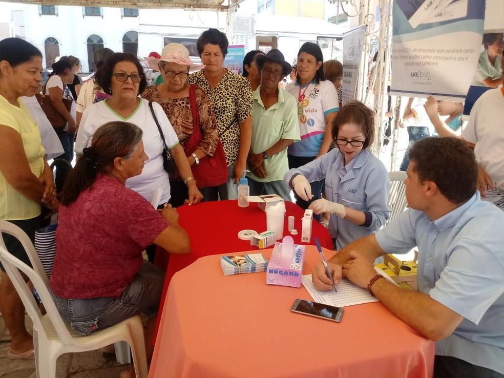 Serviços de saúde sendo oferecidos no Sesc Pesqueira (Foto: Assessoria/Divulgação)