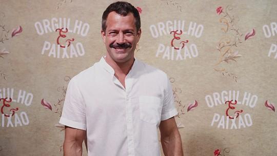 Malvino Salvador revela ponto em comum com o Coronel Brandão: 'Tenho motocicleta, eu adoro'