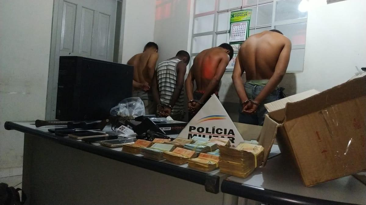 Três são presos após assalto aos Correios em Marilac; PM recuperou mais de R$ 135 mil  - Notícias - Plantão Diário