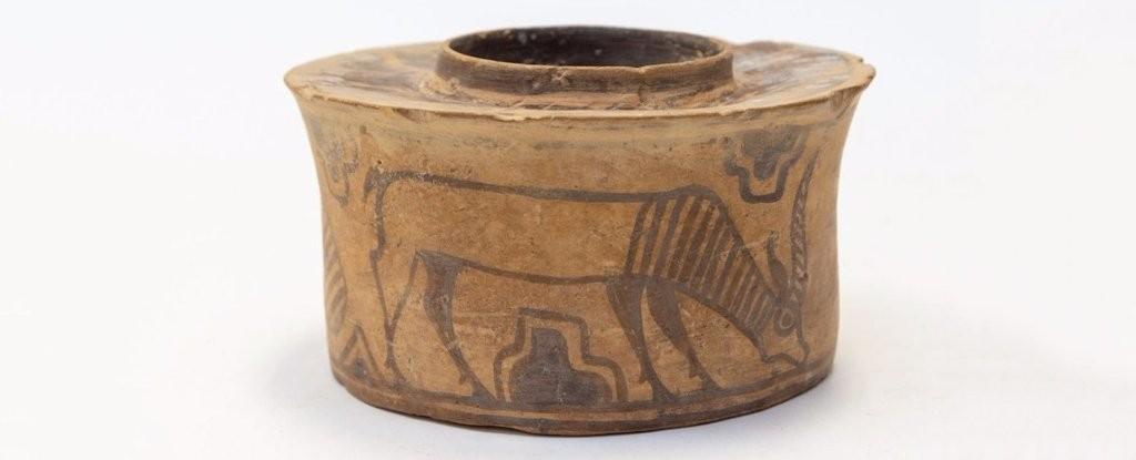 Vaso com idade estimada de 4 mil anos (Foto: Divulgação/ Hansons Auctioneers)