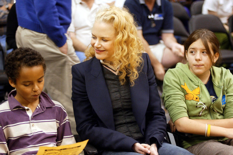 A atriz Nicole Kidman com seus dois filhos mais velhos (Foto: Getty Images)