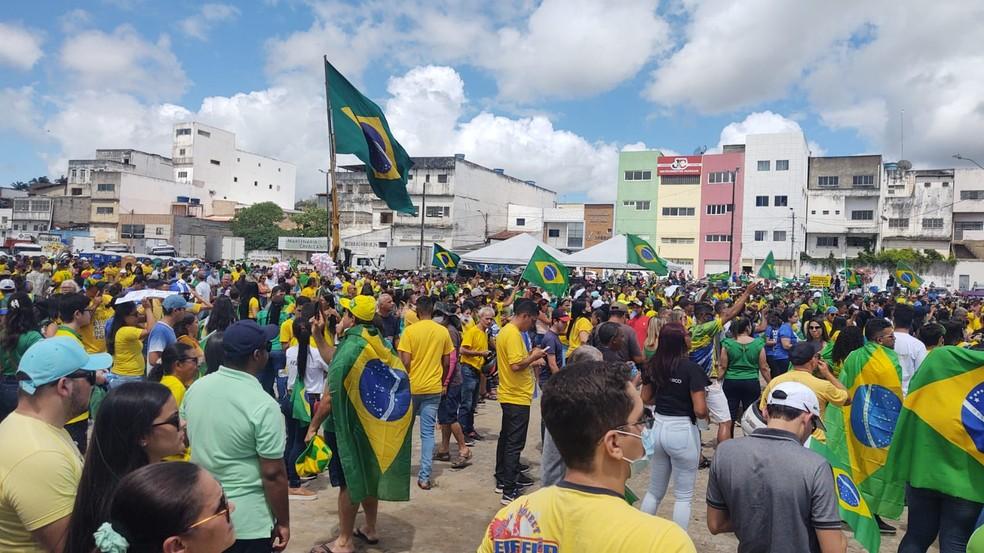 Em Arapiraca, concentração foi na Praça Ceci Cunha — Foto: Abelardo Silva/Arquivo pessoal