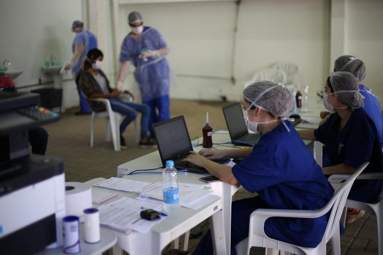 Processo seletivo oferece 14 vagas para contração de profissionais da saúde, em Foz do Iguaçu