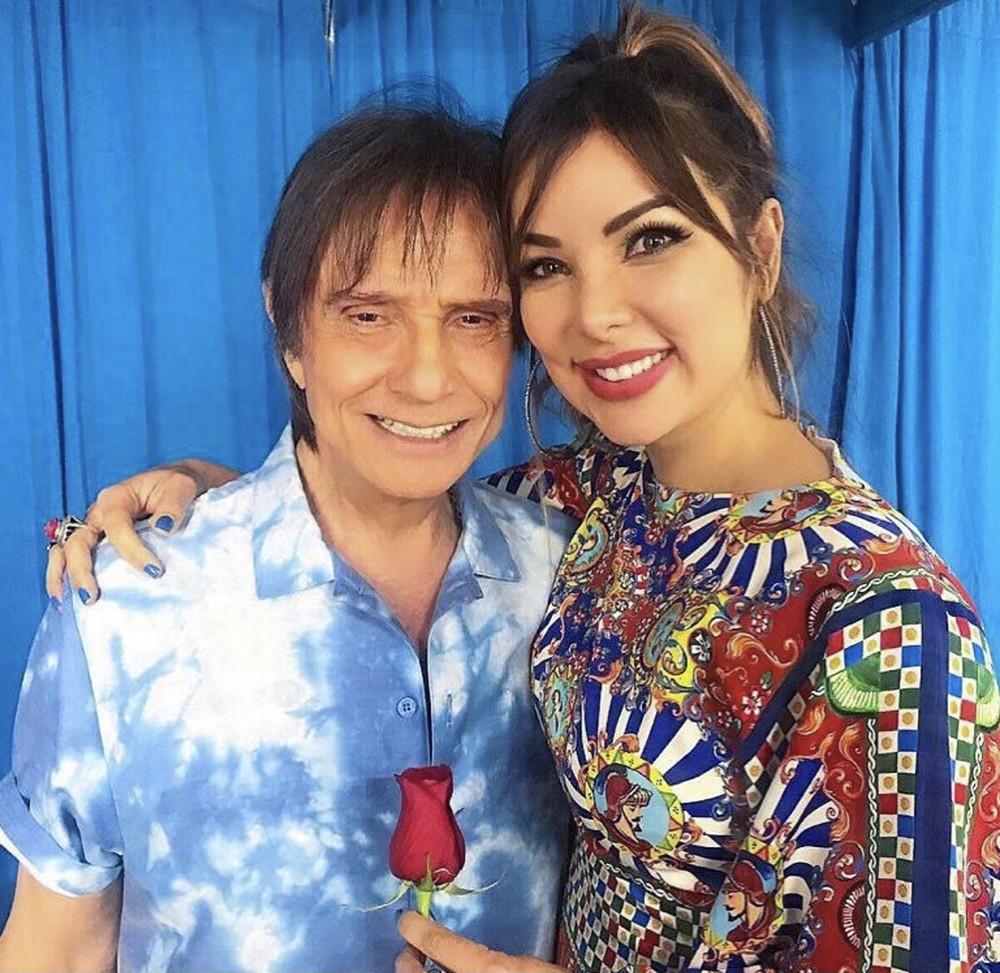 Roberto Carlos elogia canção gravada com Liah Soares para trilha sonora da novela 'Um lugar ao sol'