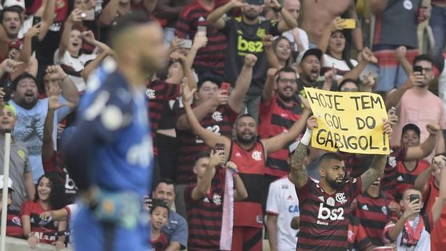 Gabigol comemora o primeiro gol do Flamengo