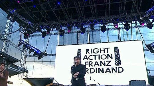 "Franz Ferdinand toca ""I'll never get your bullet out of my head"""