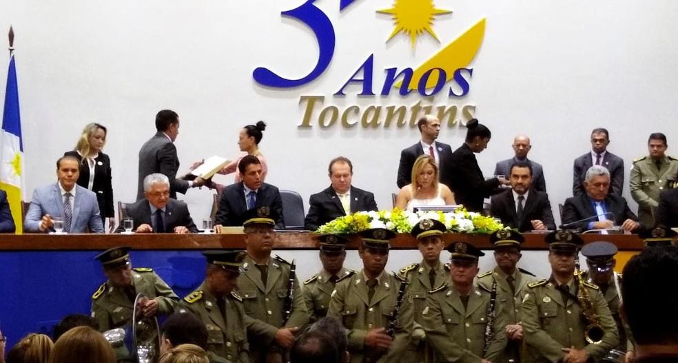 Primeira parte da solenidade é na Assembleia Legislativa do Tocantins — Foto: Letícia Queiroz/G1