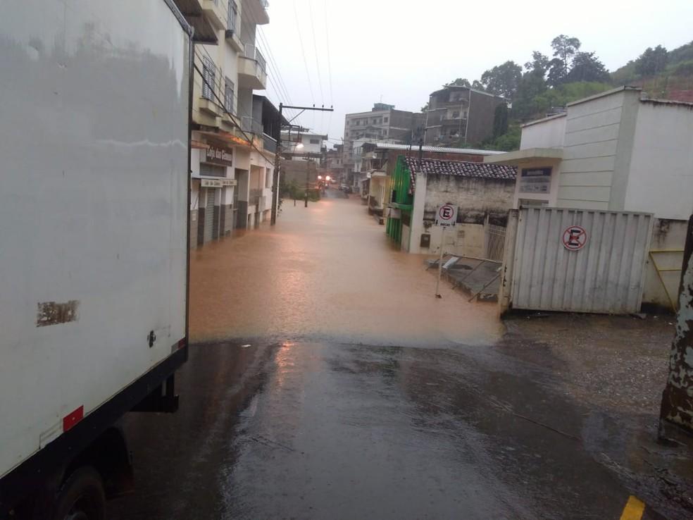 Chuva em Guiricema nesta quinta-feira (13) — Foto: Defesa Civil/Divulgação