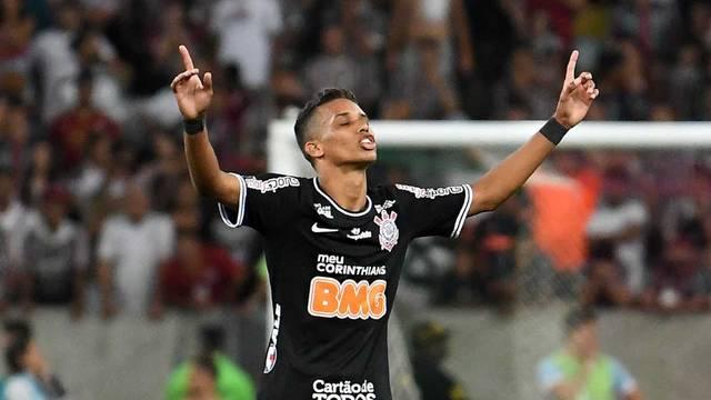 Pedrinho comemora o gol que classificou o Corinthians
