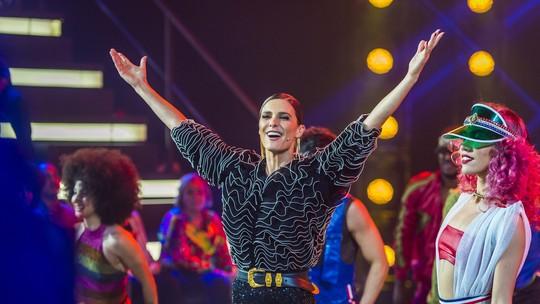 Fernanda Lima surpreende com look glamouroso no 'Amor & Sexo'