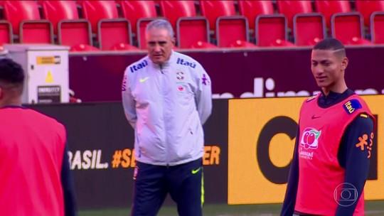 Tite muda seis jogadores da Seleção para amistoso contra República Tcheca