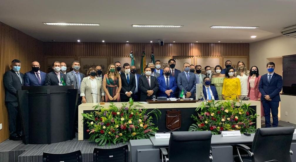 Vereadores tomam posse e Paulinho Freire (PDT) é reeleito presidente da Câmara Municipal de Natal — Foto: CMN/Assessoria