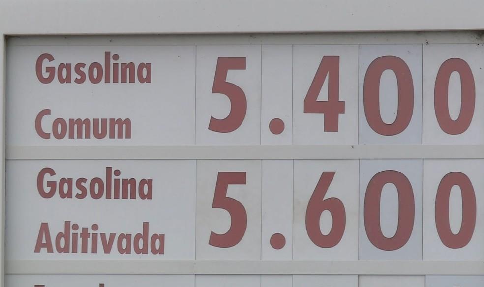 Gasolina está custando R$ 5,40 em Petrolina — Foto: Reprodução / TV Grande Rio