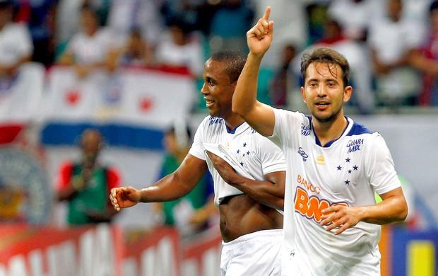 Everton Ribeiro e Borges comemoração Cruzeiro (Foto: Felipe Oliveira / Ag. Estado)