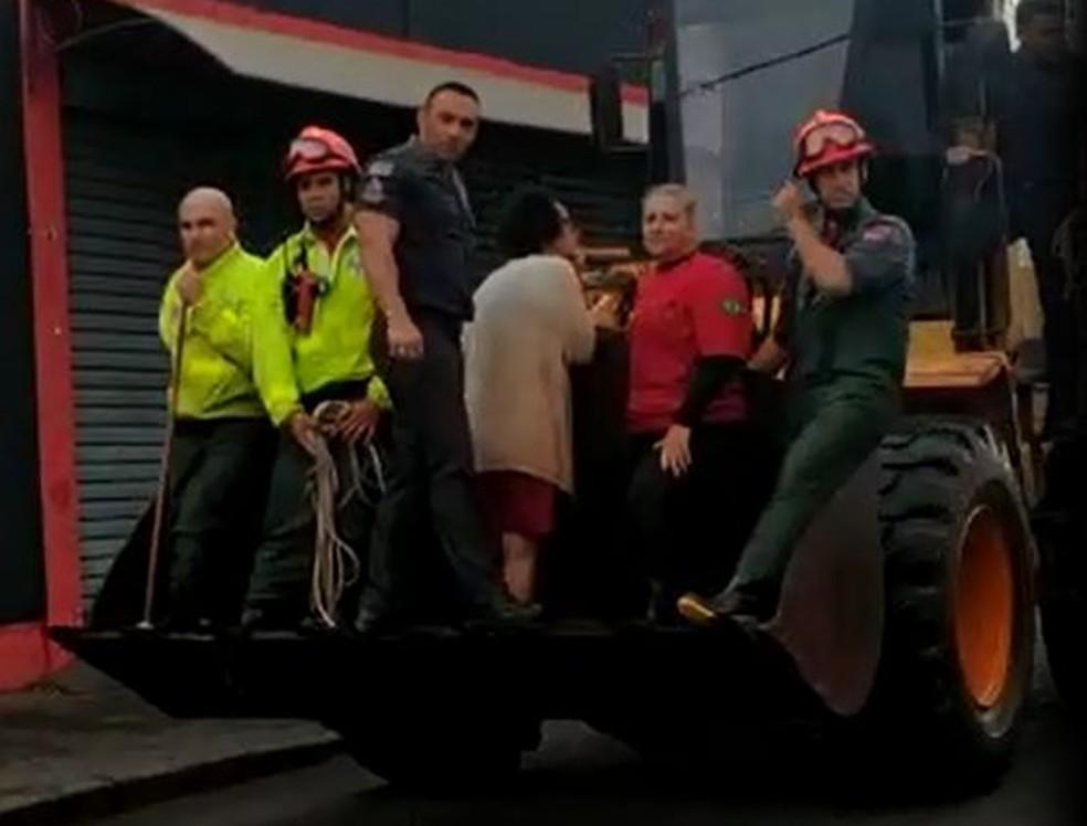 Polícia Militar resgatou 20 pessoas em uma enchente de cerca de 1,40 metros em Jaú — Foto: Arquivo pessoal