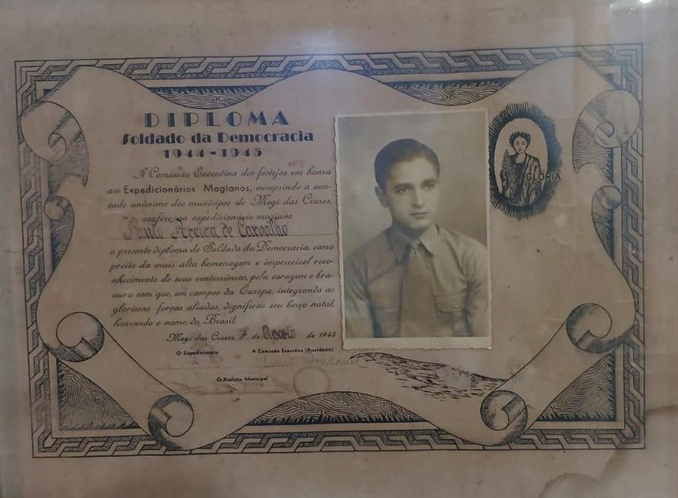 Diploma Soldado da Democracia de Paulo Pereira de Carvalho — Foto: Mirielly de Castro/TV Diário