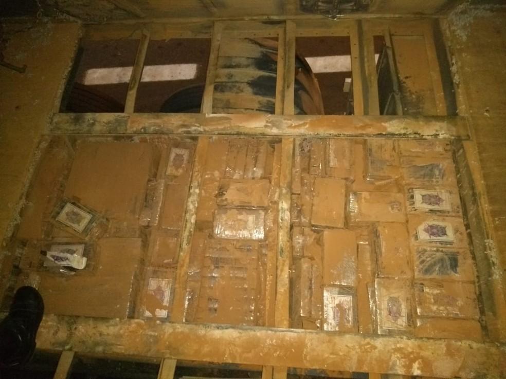 Polícia encontrou mais de meia tonelada de cocaína em carreta em Itatinga — Foto: Polícia Rodoviária/Divulgação