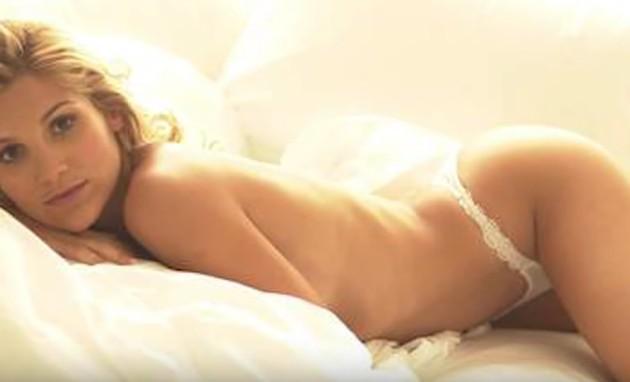 Flávia Alessandra na 'Playboy' (Foto: Reprodução)