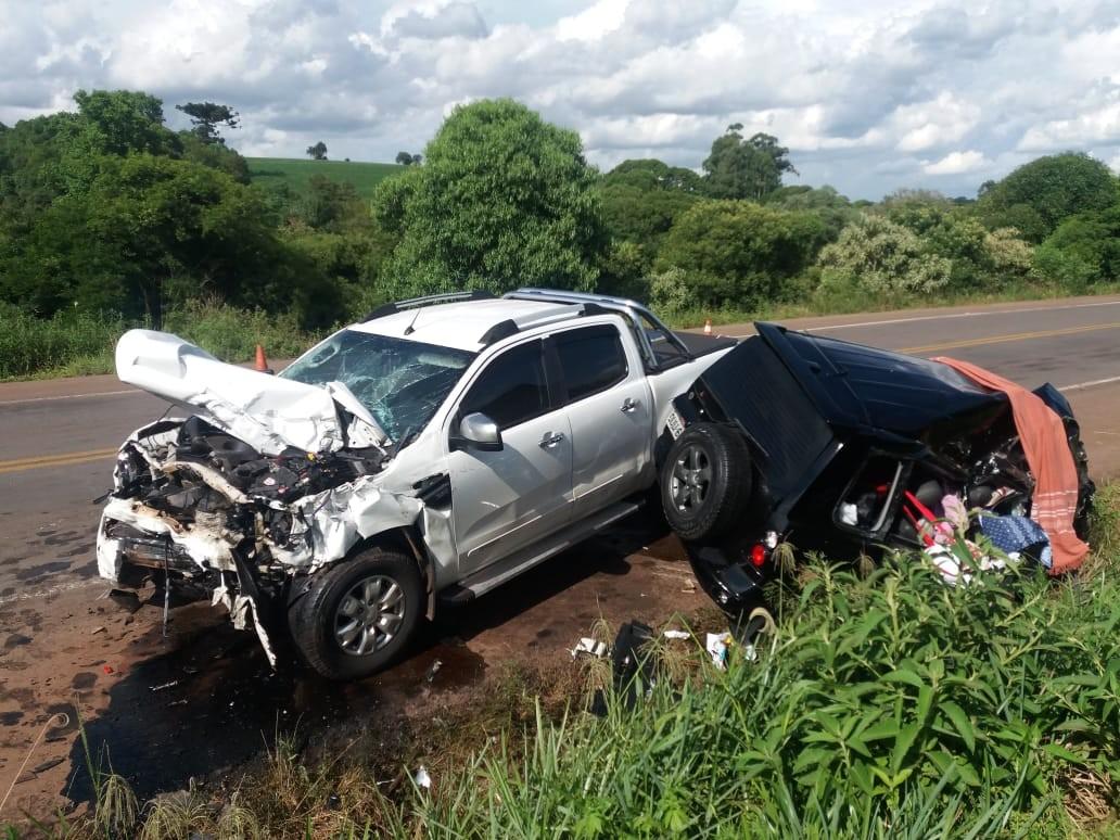 Duas pessoas morrem após colisão frontal entre caminhonetes, em Saldanha Marinho - Noticias
