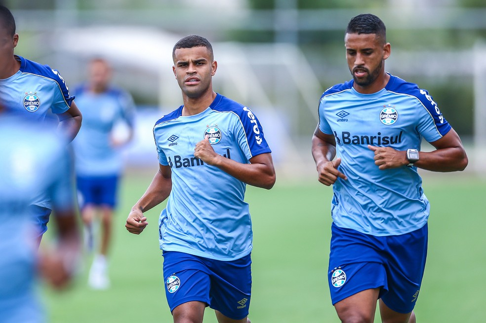 Alisson em treino físico do Grêmio — Foto: Lucas Uebel/Divulgação Grêmio