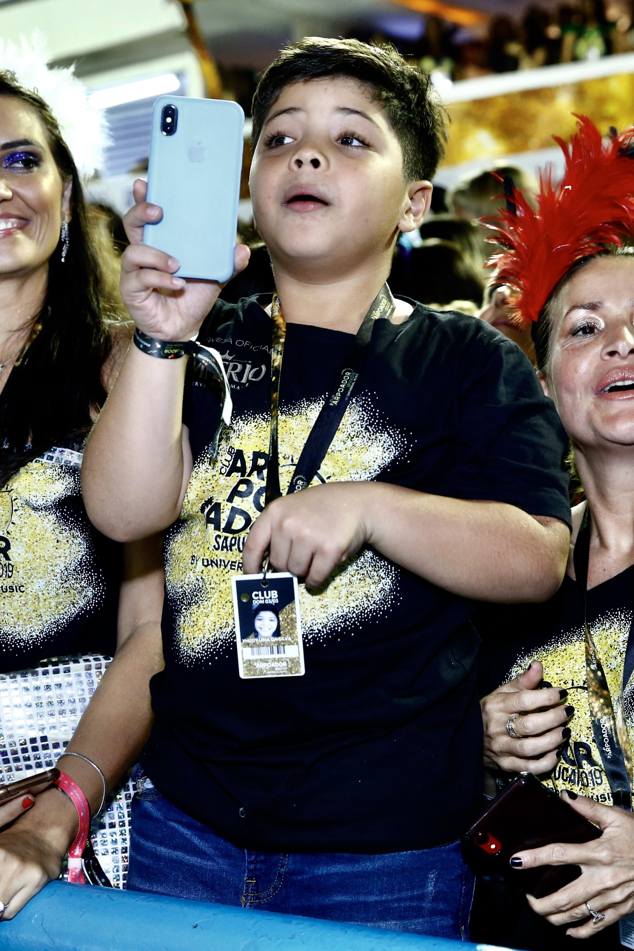 Yhudi assiste desfile de Mileide Mihaile (Foto: Roberto Filho/Brazil News)