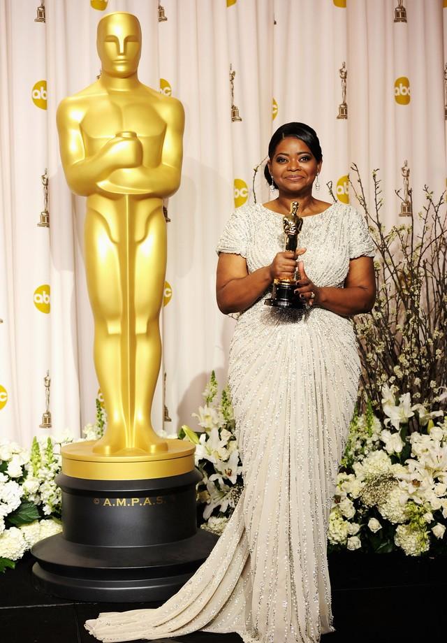 Octavia Spencer vestindo Tadashi Shoji no Oscar 2012 (Foto: Getty Images)