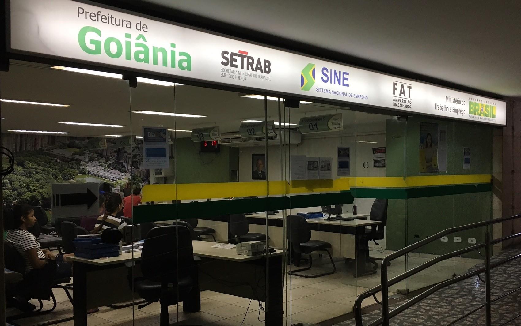 Sine oferece 215 vagas de emprego em Goiânia