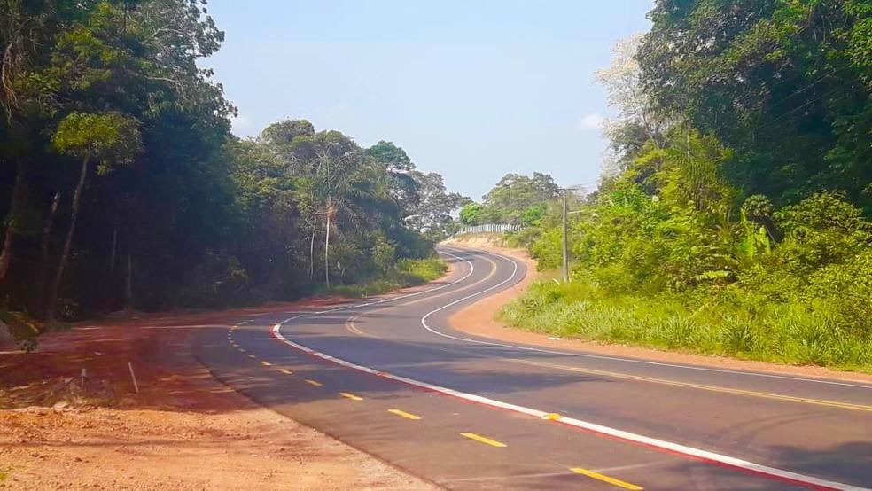 Trecho do acidente, na rodovia Everaldo Martins, a PA-457, em Santarém — Foto: Débera Rodrigues/TV Tapajós