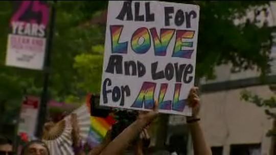 Fim de semana é marcado por paradas do orgulho LGBT pelo mundo