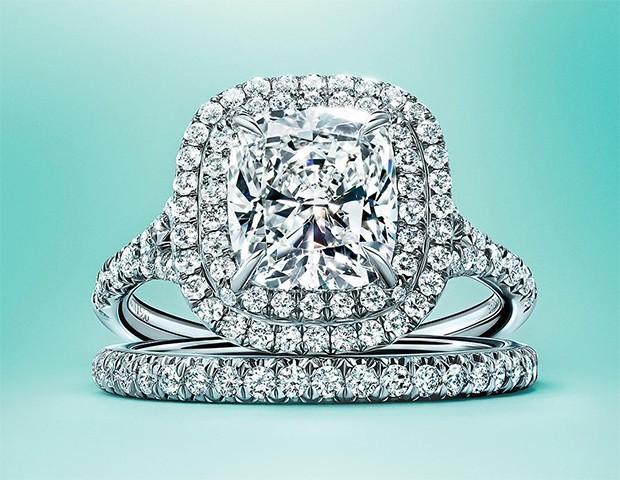 Anéis com halo são únicos e muito marcantes (Foto: Instagram / Tiffany)