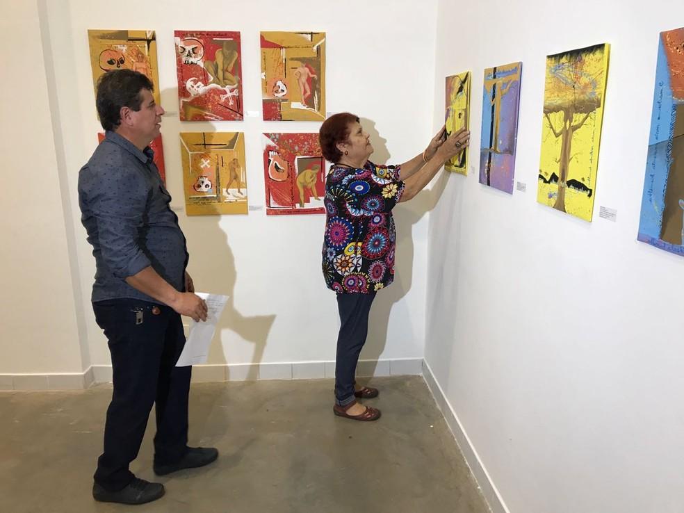 -  Obra de arte voltou a ser exposta após apreensão da polícia  Foto: Alysson Maruyama/ TV Morena