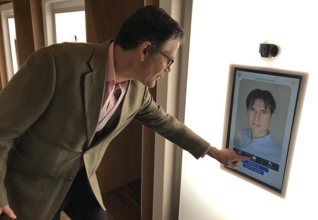 Victor Fisher, consultor de fotografia na casa do LinkedIn no SXSW 2019 (Foto: Marcelo Moura)