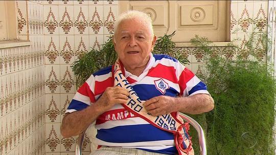 """""""Ceboleiro da gema"""", Sr. Faustino recorda momentos em 80 anos do Itabaiana"""