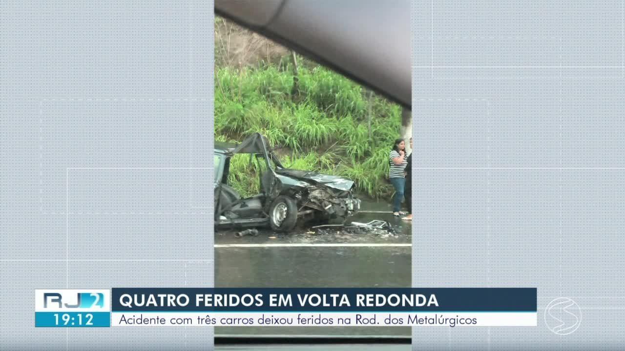 Acidente deixa quatro feridos na Rodovia dos Metalúrgicos, em Volta Redonda