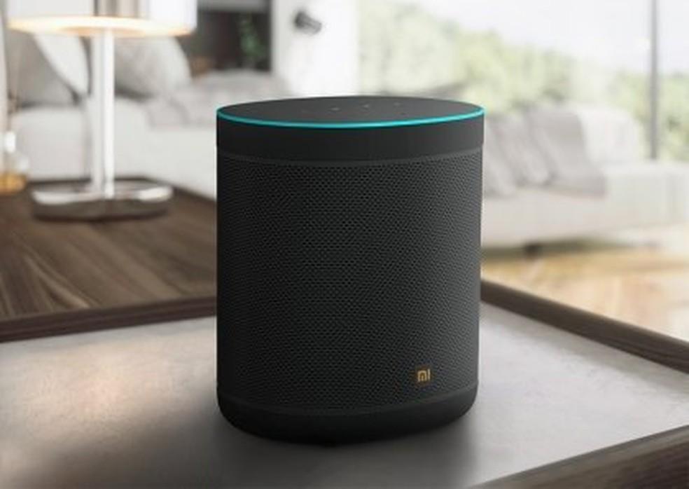 Mi Smart Speaker tem design padrão do segmento e se destaca por trazer Chromecast embutido — Foto: Divulgação/Xiaomi