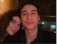 Musa dos anos 80, Gisele Fraga posa com namorado, finalista do Mister Brasil 2020