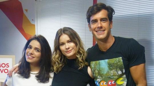 Marcos Pitombo, Sabrina Petraglia e Karen Junqueira se divertem em game; confira no vídeo