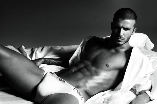 David Beckham em ensaio para grife de cueca (Foto: Reprodução)
