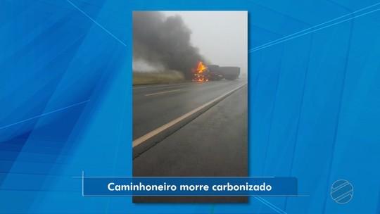 Carretas batem de frente e pegam fogo em rodovia de MT; veja vídeo