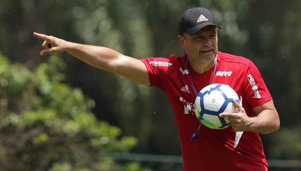 São Paulo de Diego Aguirre é o rei dos empates no Brasileirão — Foto: Rubens Chiri / saopaulofc.net