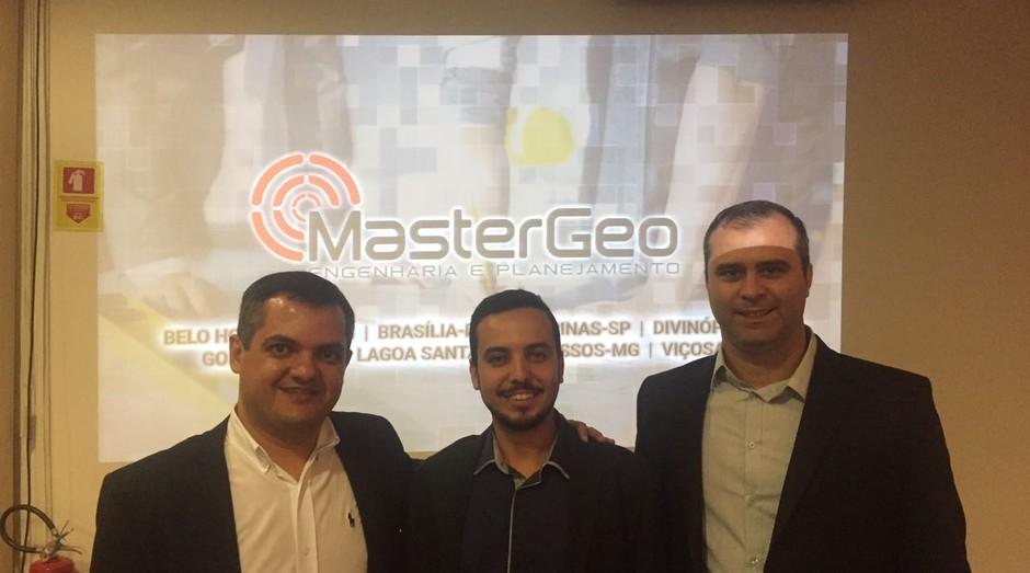 Renan Magalhães Chaves (diretor da Franqueadora), Fabyo Lamblem e Juliano Müler da esquerda para direta:  (Foto: Divulgação)