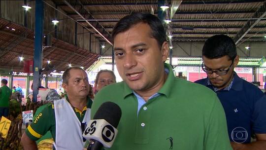 Governador eleito do Amazonas faz caminhada para agradecer eleitores